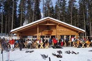 A typical outdoor ski bar in Dolomiti Superski. Photo / Fiona Stevens